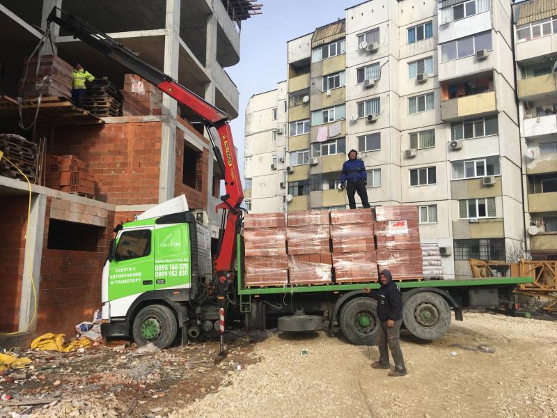 Бордови камион с кран - service-6048c3695c227